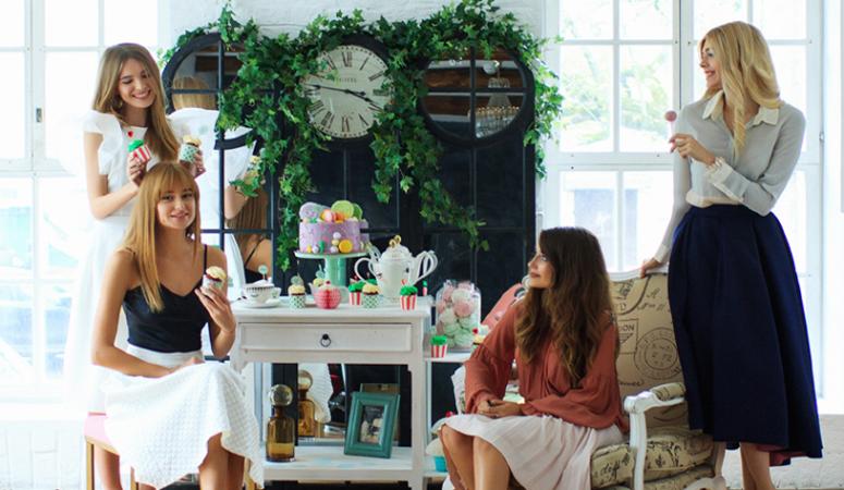 Самые красивые инстаграм блоггеры на чаепитии Miss Etoile